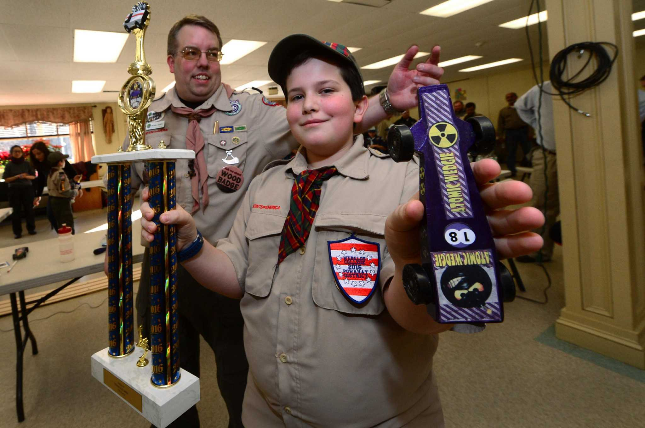 Norwalk Cub Scouts Participate In Annual Pinewood Derby The Hour Finish Line Lamps