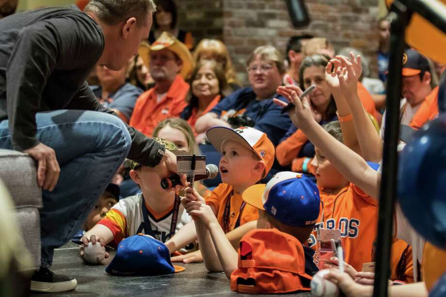 Hall of Famer and former Astros great Craig Biggio takes a question from a young fan during Astros FanFest at Minute Maid Park on Saturday. Photo: Joe Buvid, Freelance / © 2017 Joe Buvid