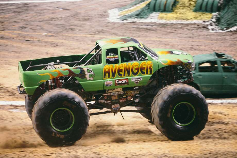 Photos Monster Jam Packed The Alamodome With Roaring Fans