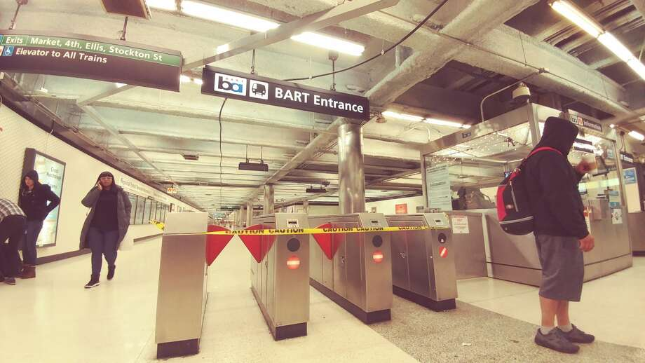 """The Powell Street BART station was closed Sunday afternoon due to """"a major medical emergency."""" Photo: Dianne De Guzman/SFGATE"""