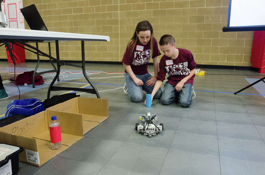 Southeast Texas Students Test Tech Skills In Robotics