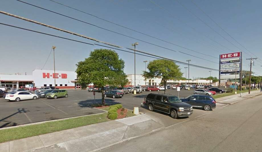 A company linked to Component Capital Group of Dallas purchased the Lone Oak shopping center last week. Photo: Google Maps