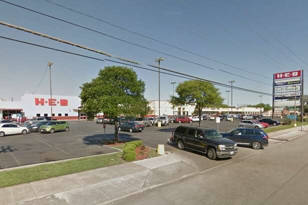 A company linked to Component Capital Group of Dallas purchased the Lone Oak shopping center last week.