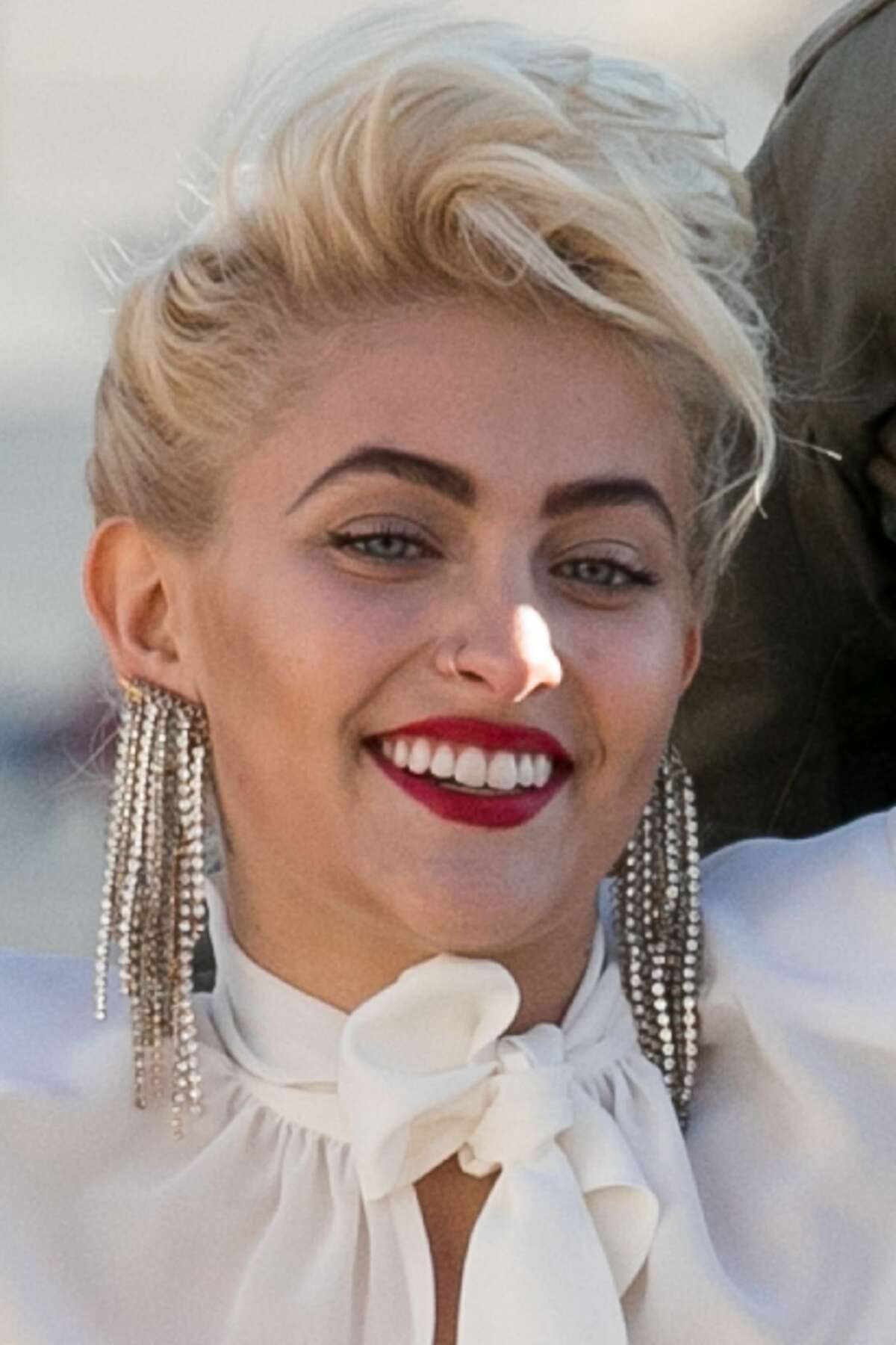 Paris Jackson is spotted during a photo shoot at Eiffel Tower on January 18, 2017 in Paris, France. >> Keep clicking to see photos more photos of Paris at Paris Fashion Week.