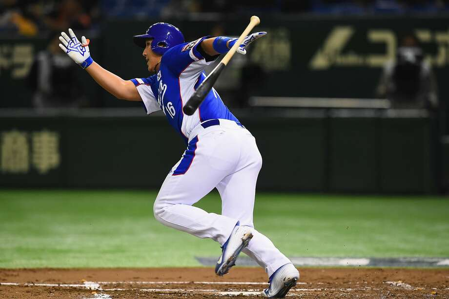 Jae-gyun Hwang batted .335 with 27 home runs and 113 RBIs in 127 games in the Korea Baseball Organization last season. Photo: Masterpress, Getty Images