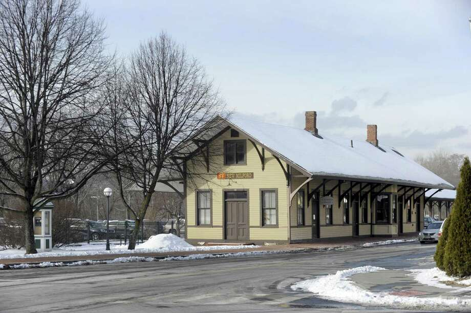 New Milford Mayor David Gronbach wants to turn the former railroad station into an art gallery. A public hearing on the matter is set for Tuesday. Photo: Hearst Connecticut Media / The News-Times