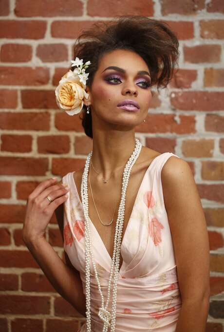 This look is perfect not only for daring brides, but for high-drama nights on the town. Photo: Russell Yip, The Chronicle