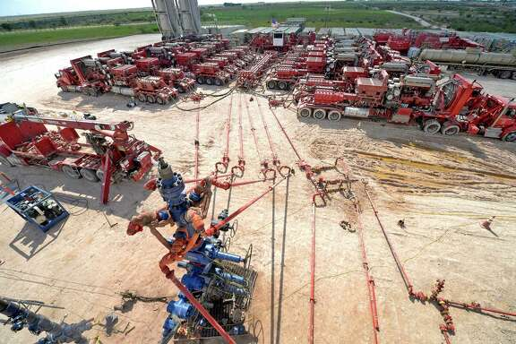 A report says oil field costs may rise 15 percent in 2017, lifting energy services companies' profits.