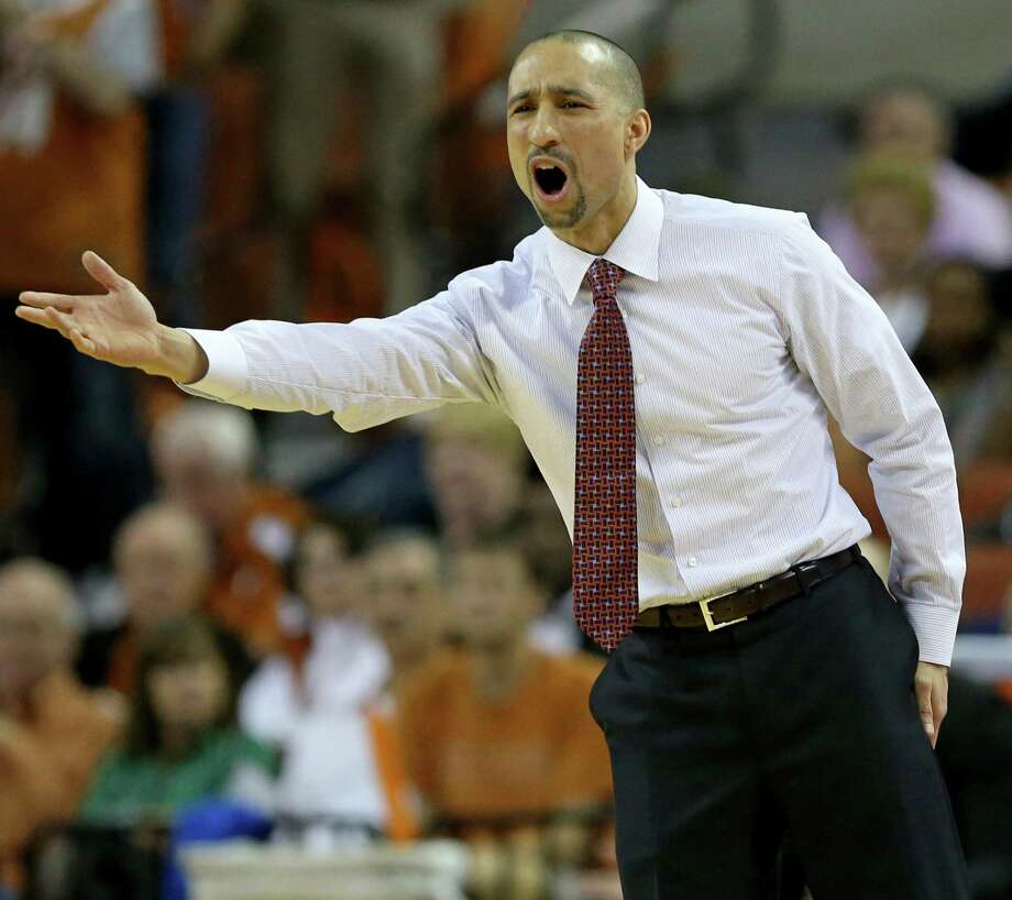 Texas head coach Shaka Smart reacts after a play during first half action against Oklahoma Monday Jan. 23, 2017 at the Erwin Center in Austin. Photo: Edward A. Ornelas /San Antonio Express-News / © 2017 San Antonio Express-News