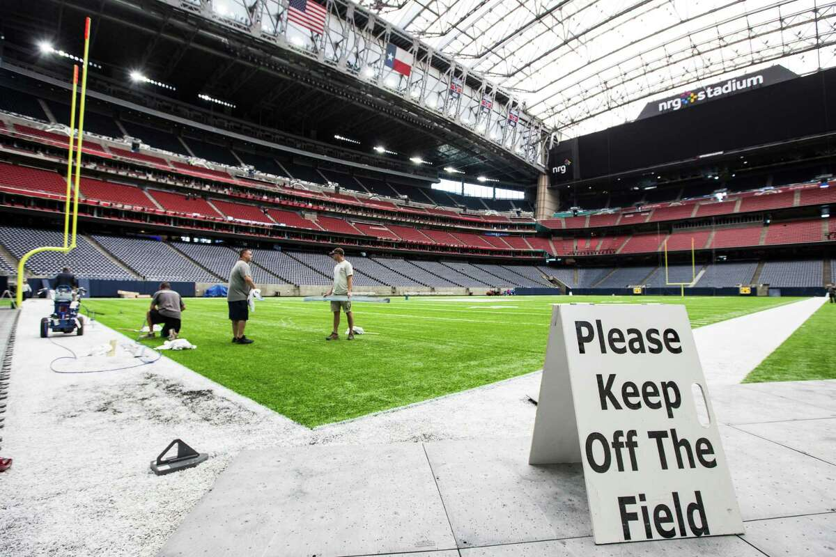 Pros and cons of hosting the Super Bowl The grounds crew get ready to paint the field at NRG Stadium for Super Bowl LI on Tuesday, Jan. 24, 2017, in Houston. On Feb. 5 when The Patriots and Falcons square off, years of effort will finally come to fruition. But is it worth it? Keep going for a look at the pros and cons of hosting the biggest annual event in sports.