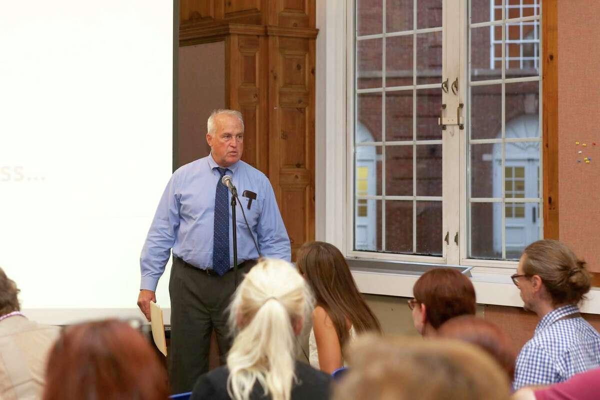 Jeffrey Spahr speaks during a meeting in September 2016.