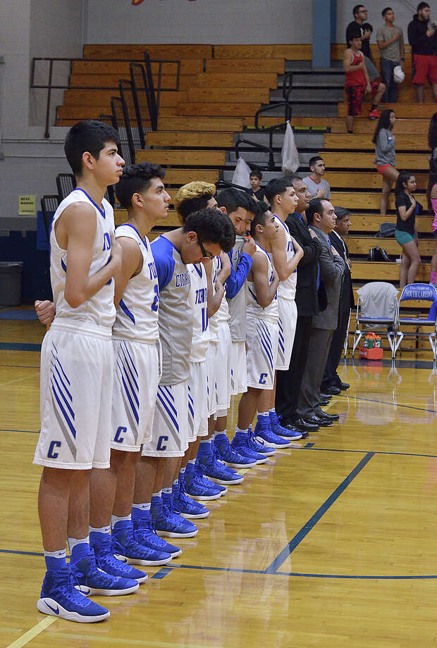 The Cigarroa Toros boys basketball team and Sharyland played a district game at Cigarroa on Tuesday, January 24, 2017. Photo: Cuate Santos