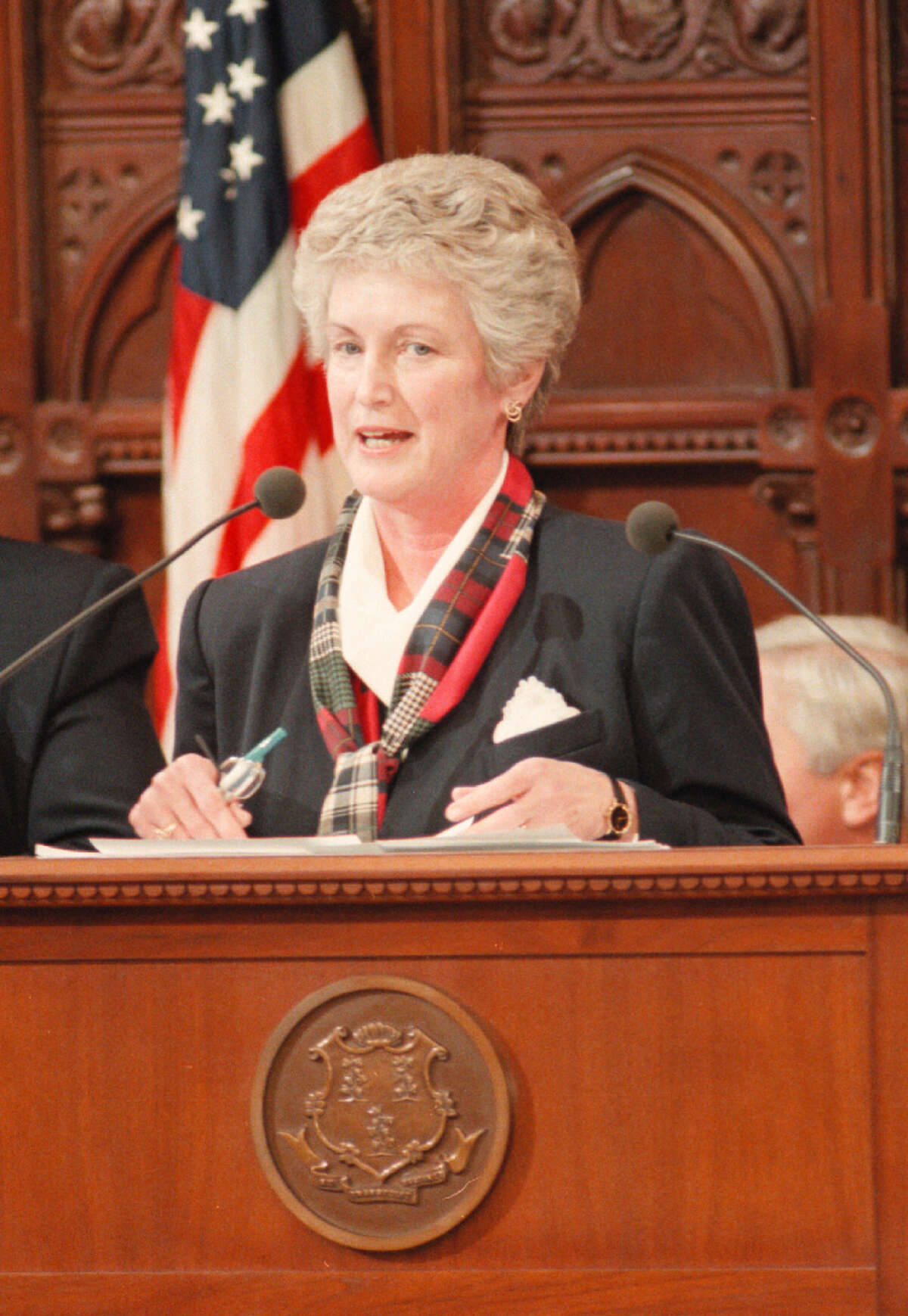 File 01/08/97 - Lt. Governor Jodi Rell addresses legislators on opening day of new session