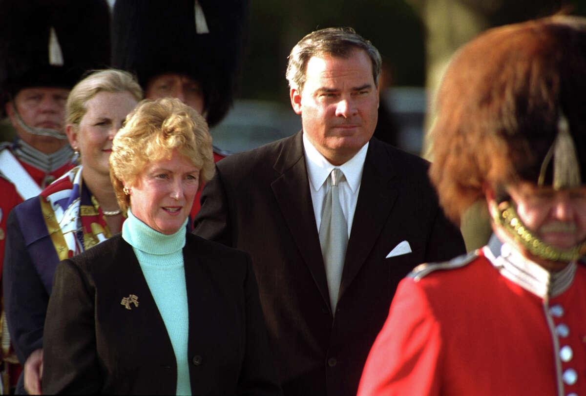 Gov. John Rowland and Lt. Gov. M. Jodi Rell, 2002.