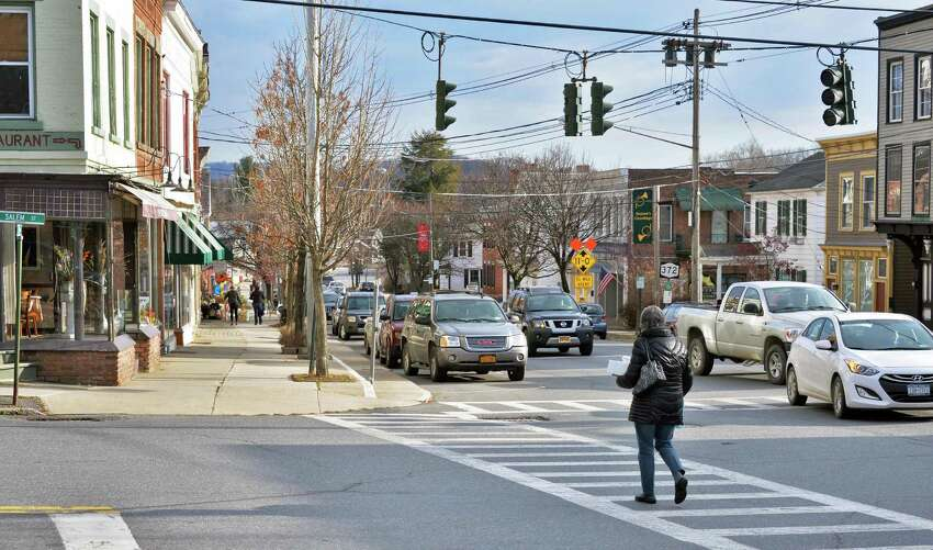 Fairfield County Median age: 39.7Largest age group: 45-54 years (15.9 percent)Age 60-64: 5.6 percentAge 65-74: 7.5 percent Source: U.S. Census