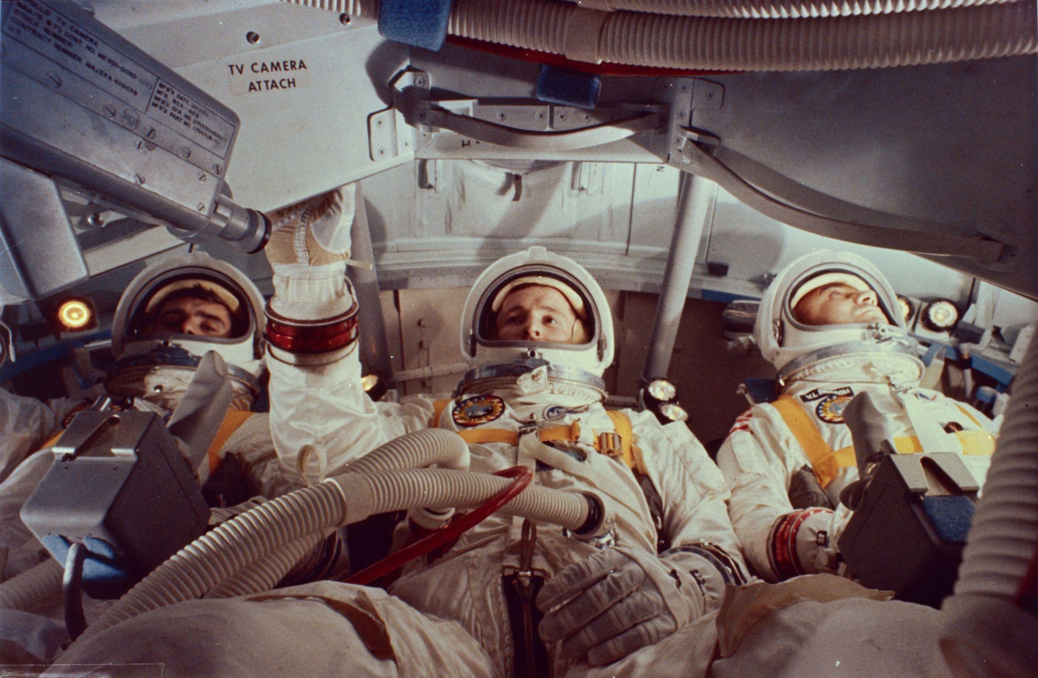 astronauts apollo 1 - HD2048×1339