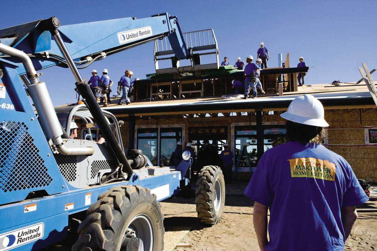 United Rentals has contributed equipment for renovations featured on Extreme Makeover: Home Edition.