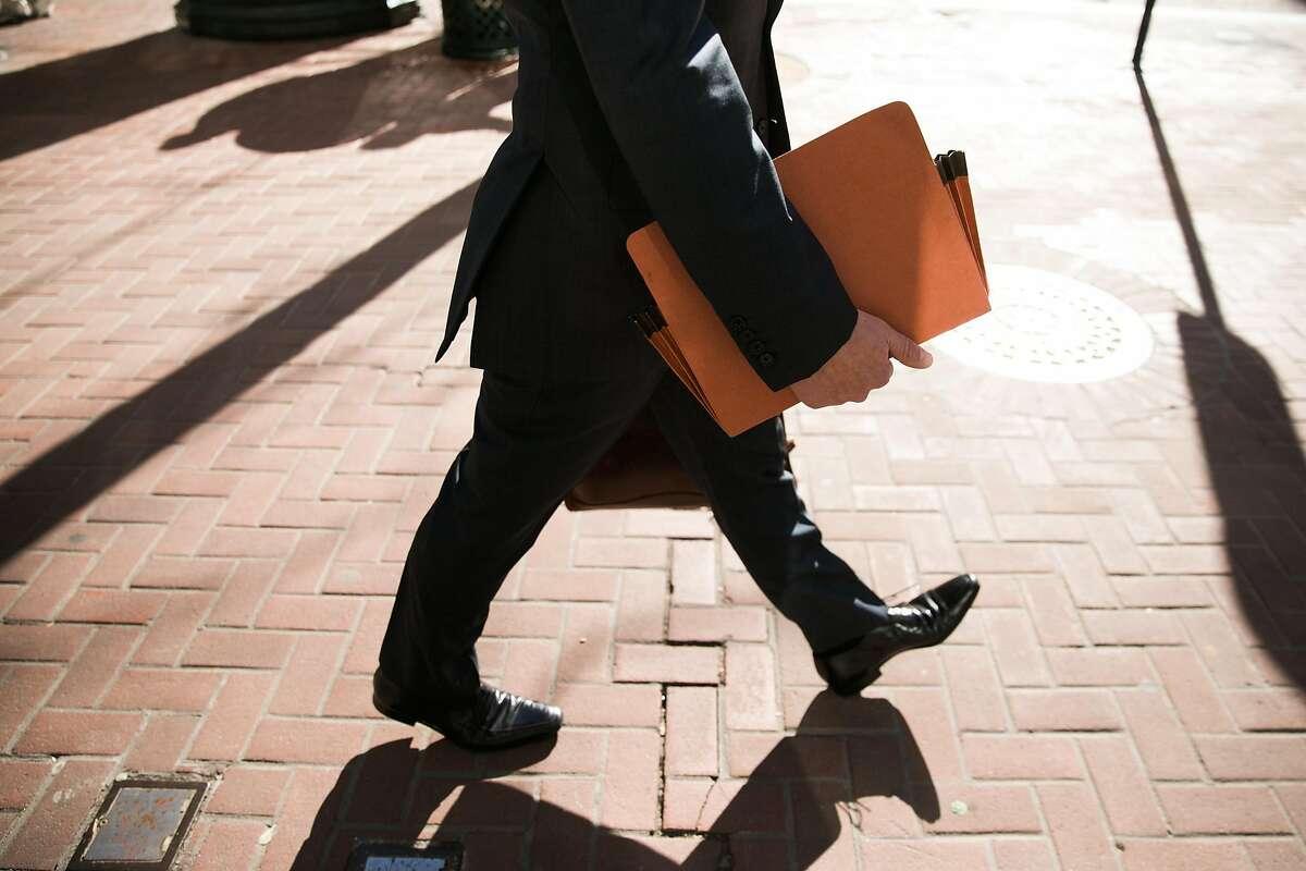 David Kiernan of Jones Day walks to the Phillip Burton Federal Building & United States Courthouse in San Francisco, Calif., Thursday, January 26, 2017.