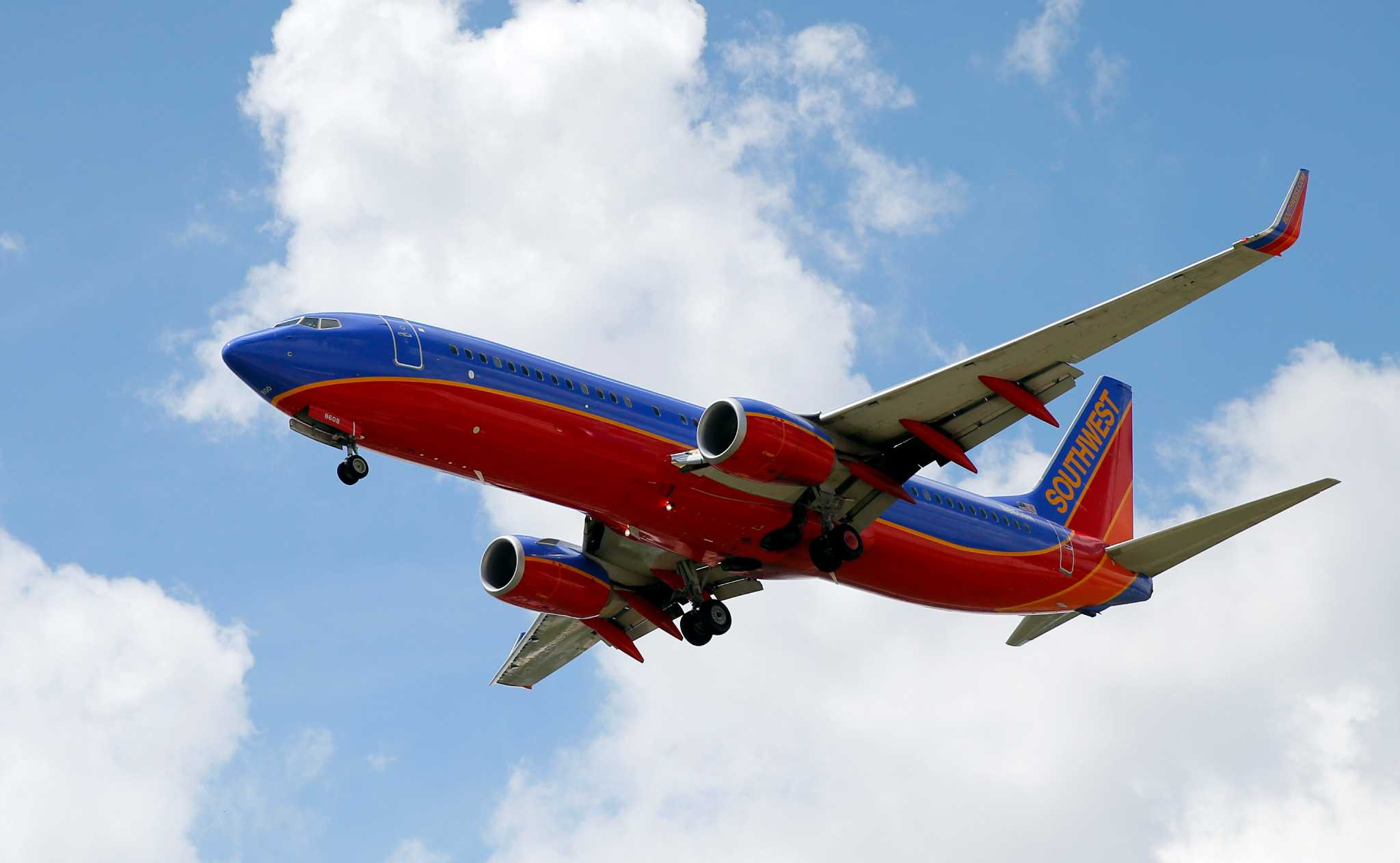 southwest airlines co Southwest airlines - is the largest low-cost carrier in the united states, find the best flights, southwest airlines reservations.