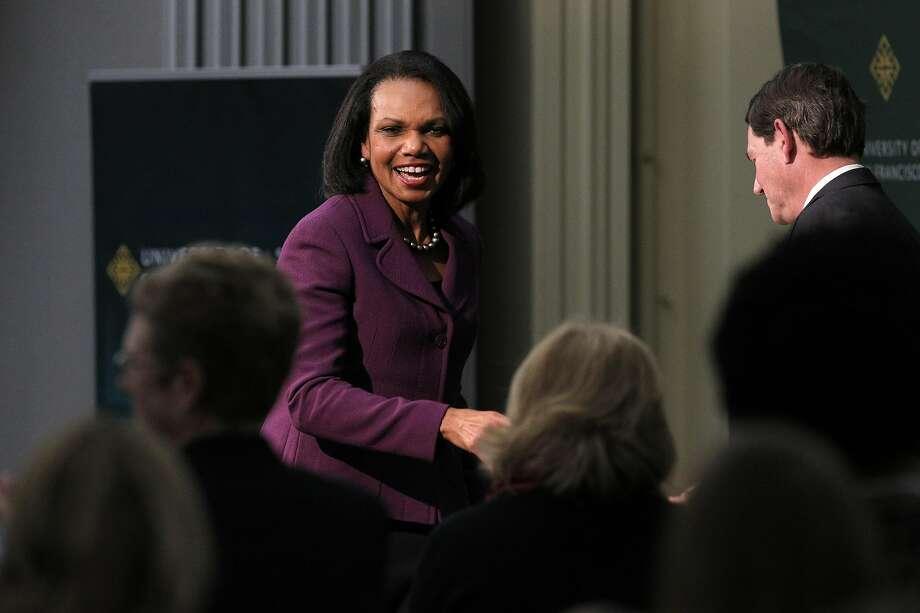 Ex-Secretary of State Condoleezza Rice meets audi ence members at the University of San Francisco. Photo: Carlos Avila Gonzalez, The Chronicle