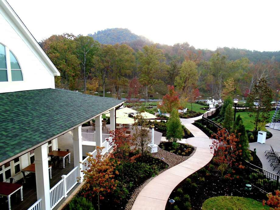 Hum Dolly Parton tunes as you meander the beautifully landscaped grounds of Dollywood's DreamMore Resort. Photo: Robin Soslow / For The Express-News / Copyright 2009