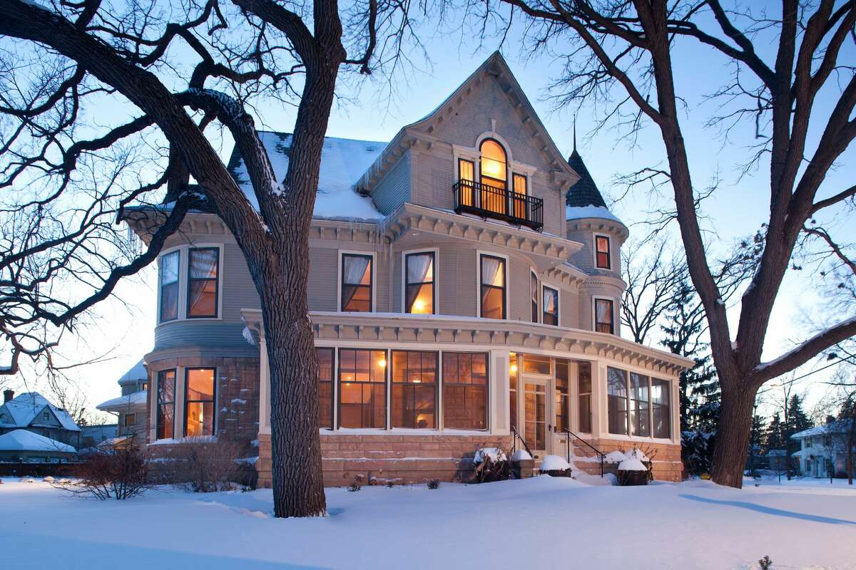 Home of the late Mary Tyler Moore who passed in January 2017. Mary Tyler Moore home in Minneapolis, Minnesota.
