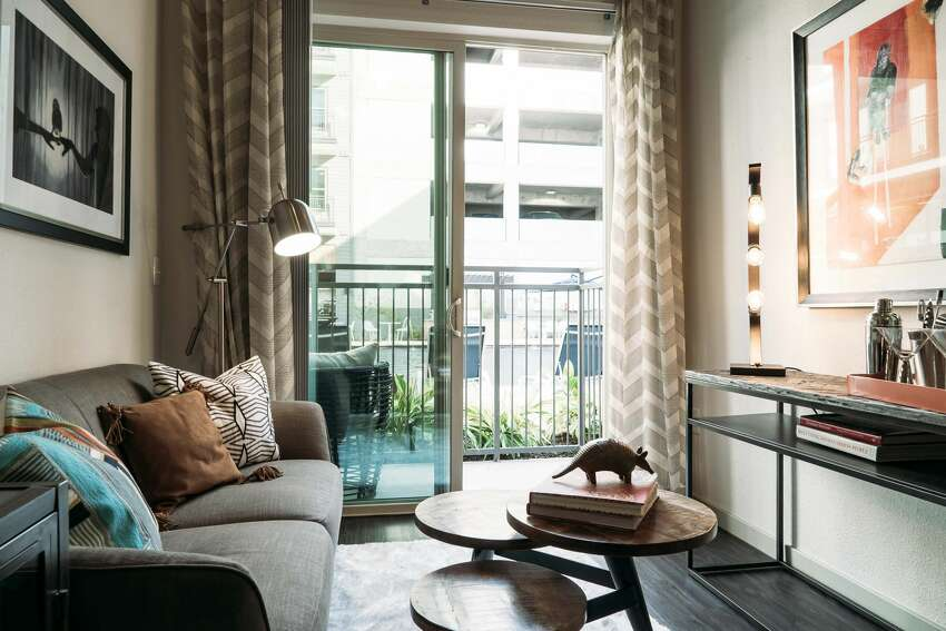 Studio apartments and one or two bedroom rentals are available at Rivera apartments.