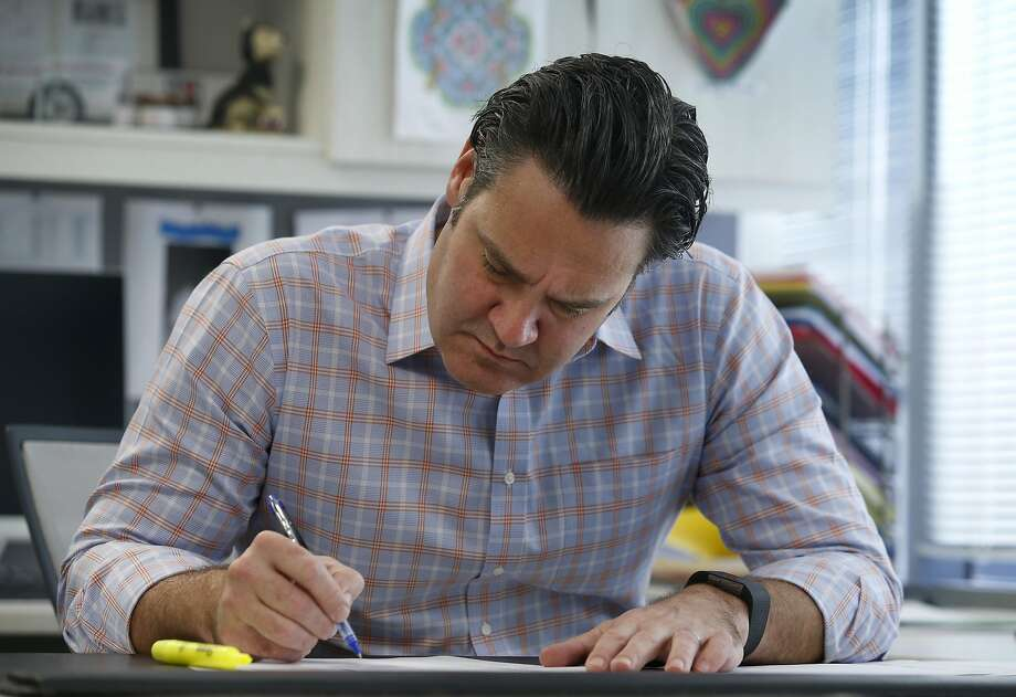 Matthew Harrison works in his office at Bentham IMF, a litigation funding company, in San Francisco, Calif. on Friday, Jan. 27, 2017. Photo: Paul Chinn, The Chronicle