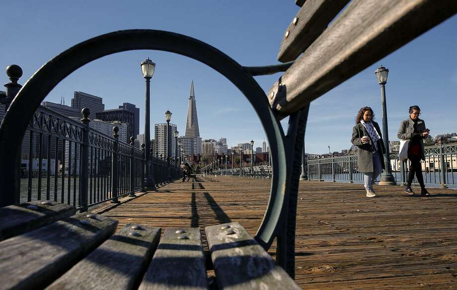 Pier 7 lures locals and tourists alike for a winter walk. Photo: Michael Macor, The Chronicle