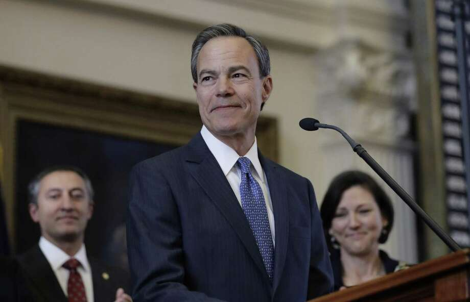 Texas Speaker of the House Joe Straus, R-San Antonio, addresses his fellow legislators before the opening of the 85th Legislature session in the House chambers. A reader applauds Straus for daring to reach across the aisle. Photo: Eric Gay /Associated Press / Copyright 2017 The Associated Press. All rights reserved.