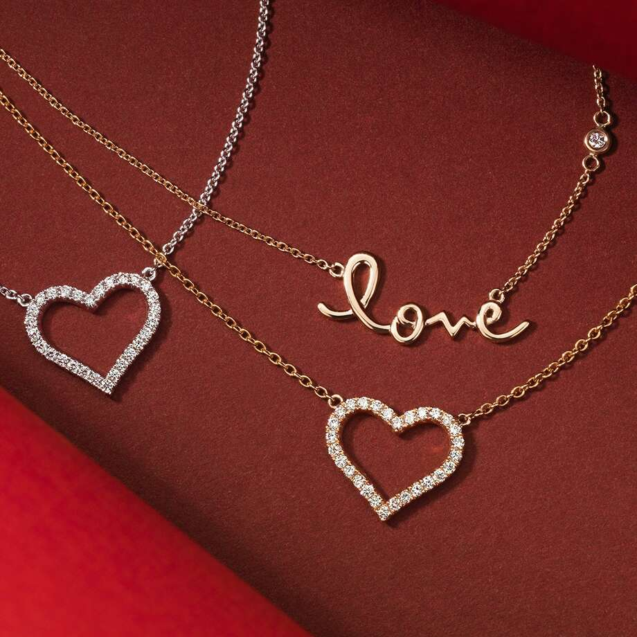 Learning some tricks should help anyone have an easier time finding the perfect gift for Valentines Day. Photo: Blue Nile / Blue Nile