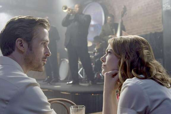 "Sebastian (Ryan Gosling) and Mia (Emma Stone) in ""La La Land."" MUST CREDIT: Lionsgate"