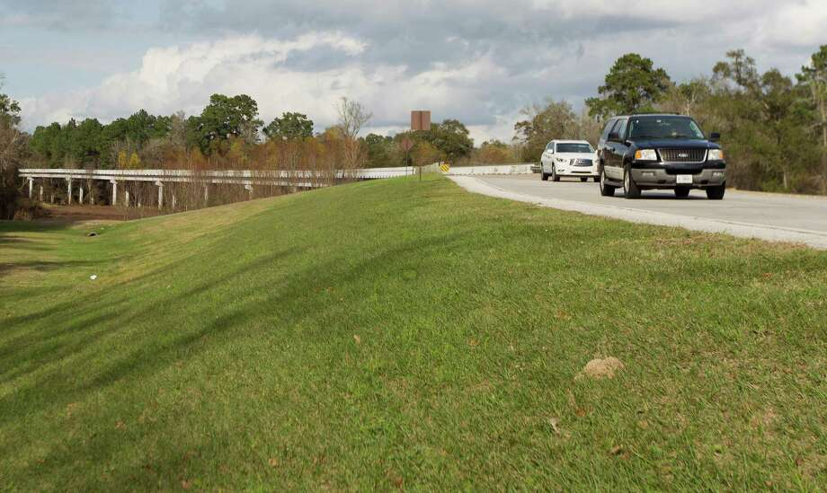 Traffic passes through the bridge on the south side of Gosling Road Tuesday, Dec. 27, 2016, in The Woodlands. While Montgomery County and Harris County have collaborated on road projects, such as the bridge on Kuykendahl Road in the past, Montgomery County Precinct 3 Commissioner James Noack and Harris County Precinct 4 Commissioner Jack Cagle are having trouble agreeing on the status of the future Gosling Road bridge project and what's needed to move forward. Photo: Jason Fochtman, Staff Photographer / Houston Chronicle