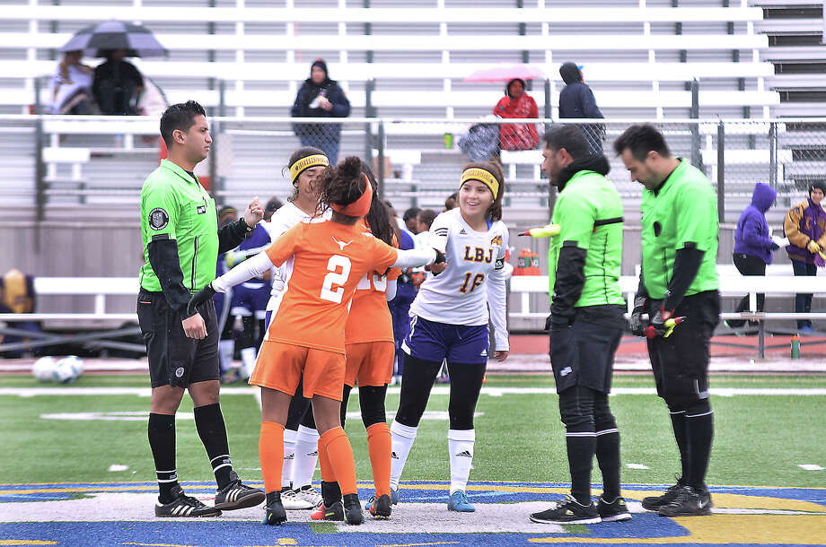 The United High School Lady Longhorns met the LBJ High School Lady Wolves in a district soccer game at the UISD Student Activity Complex, Saturday, January 28, 2017. Photo: Cuate Santos