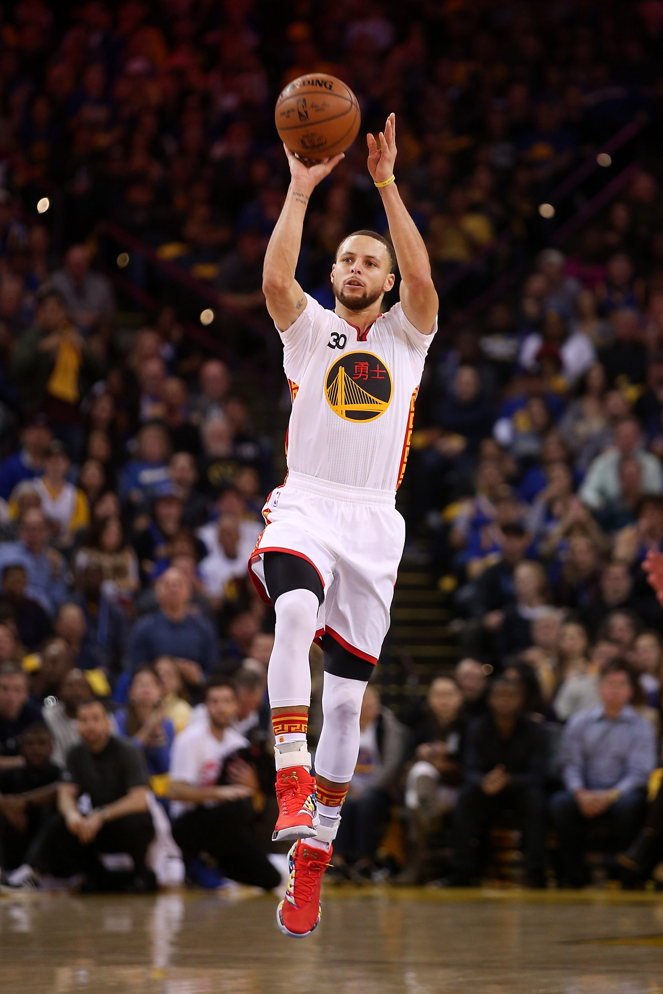Stephen Curry Dazzles As Warriors Rout Clippers Sfgate