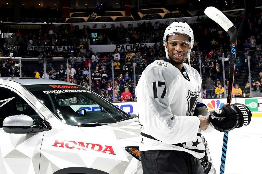 LOS ANGELES, CA - JANUARY 29:  Wayne Simmonds #17 of the Philadelphia Flyers reacts after being named the 2017 Honda Ridgeline NHL All-Star MVP following the 2017 Honda NHL All-Star Tournament Final at Staples Center on January 29, 2017 in Los Angeles, California.  (Photo by Harry How/Getty Images) Photo: Harry How, Getty Images