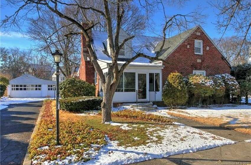 43 Sachem St, Milford, CT 06461 4 beds 2 baths 2,223 sqft Price: $239,9000 View full listing on Zillow