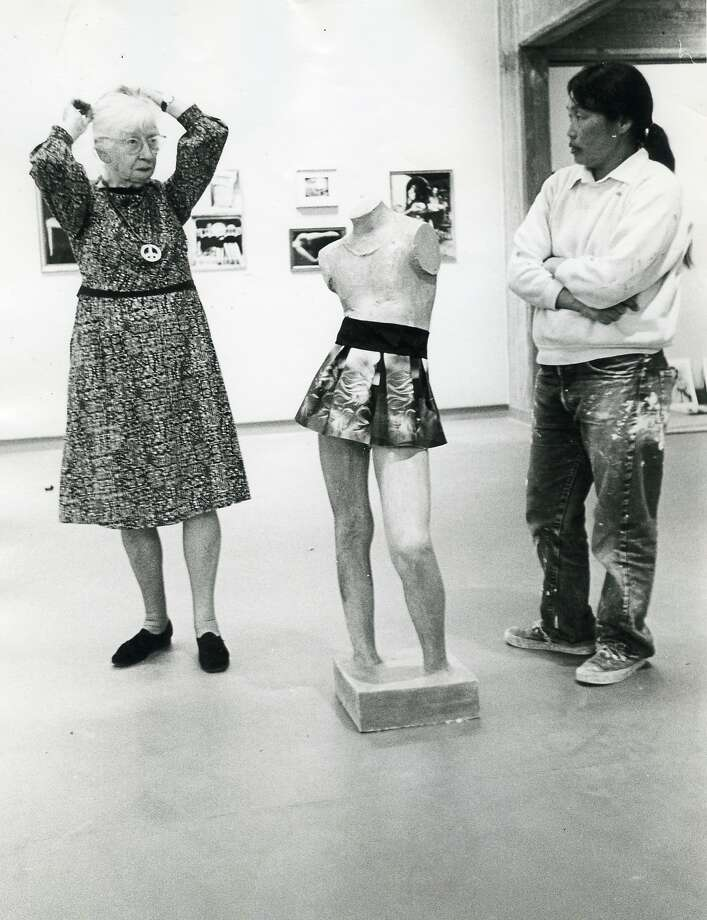 """Imogen Cunningham (right) and Ruth Asawa, July 1969, in the photography exhibition """"U.S.A. In Your Heart,"""" curated by Jerry Burchard. Photo: Courtesy SFAI"""