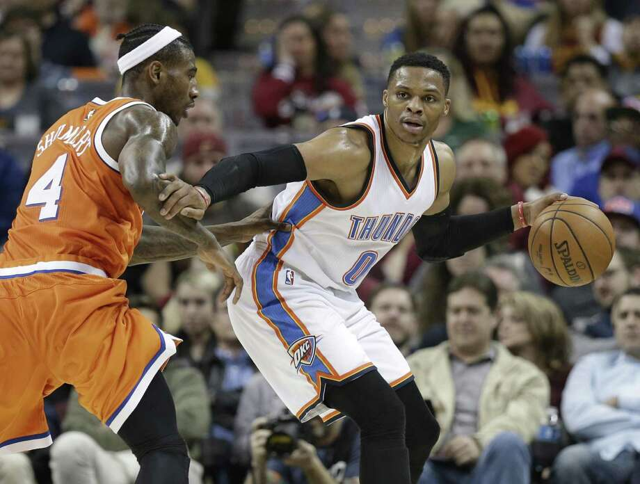 Oklahoma City Thunder's Russell Westbrook drives against the Cavaliers' Iman Shumpert in the first half on Jan. 29, 2017, in Cleveland. Photo: Tony Dejak /Associated Press / AP 2017