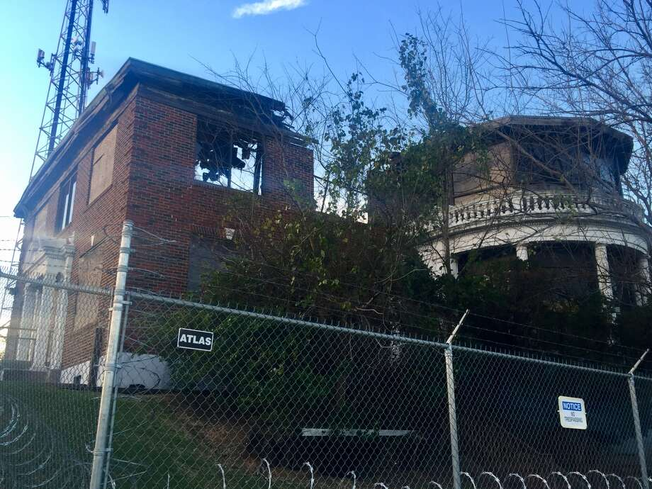 Harris County wants to tear down a building that once served as the nurse's quarters for the historic Jefferson Davis Hospital building.