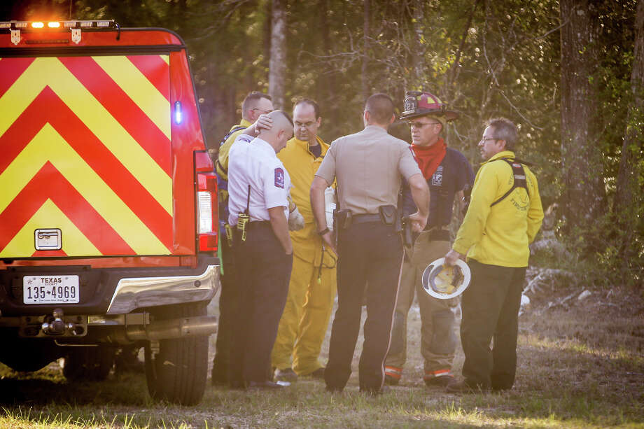 Local fire departments and the Texas Forest Service respond to a fire on Monday, Jan. 30, 2017, off Valley Ranch Parkway in Porter. Photo: Michael Minasi, Staff Photographer / © 2017 Houston Chronicle
