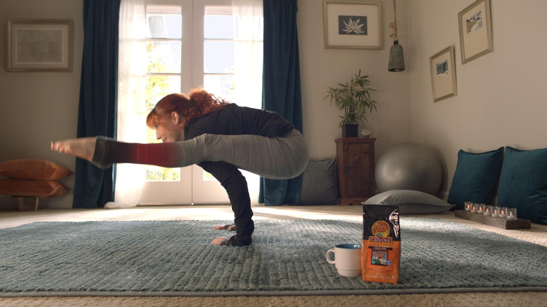 Eva Longoria invites H-E-B shoppers to be the stars in Super Bowl ad