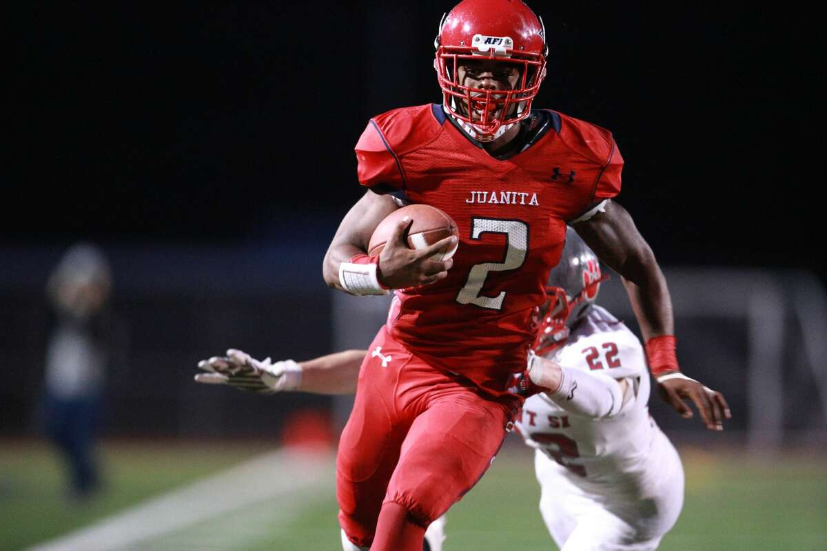 RB Salvon Ahmed Juanita High School (Kirkland)5-foot-11, 189 pounds 247: 4 starsESPN:4 starsRivals: 4 starsScout: 4 stars Notes: A two-way star at running back and cornerback for the Rebels, Ahmed rushed for 1,300 yards and 13 touchdowns in only six games in 2016.