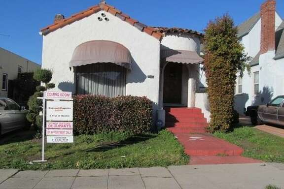 Home for sale in Oakland's Bushrod Neighborhood