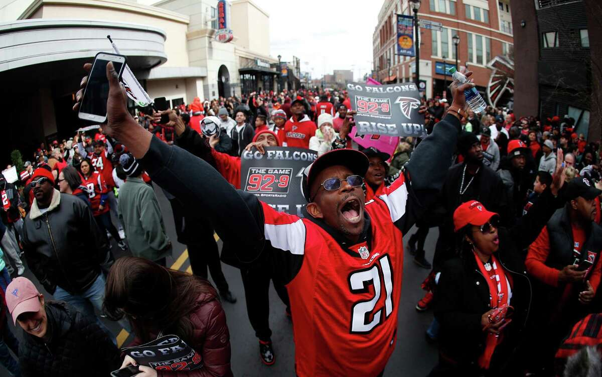 Atlanta fans get to stay up late and party on Super Bowl Sunday. It's been ordered by the mayor. KEEP CLICKING: Atlanta Falcons arrive in Houston for Super Bowl LI