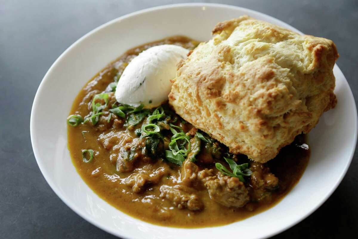 Kibbeh chili with a biscuit