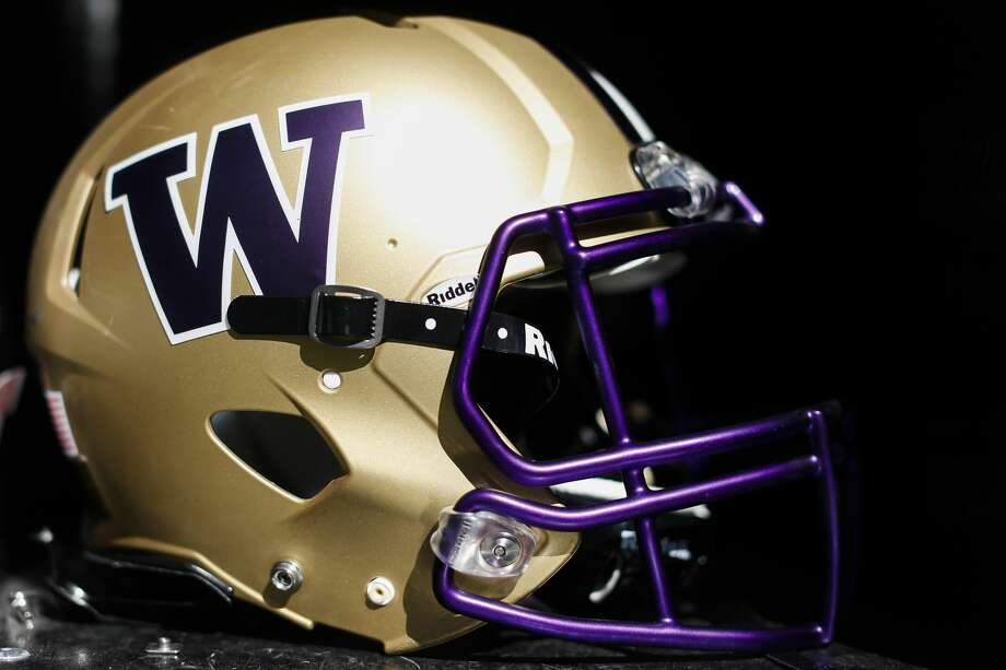 Three-star running back Jay'Veon Sunday out of Waco, Texas committed to the Huskies on Tuesday. He's Washington's fifth pledge in its 2020 recruiting class.  Photo: Stephen Lam/Getty Images