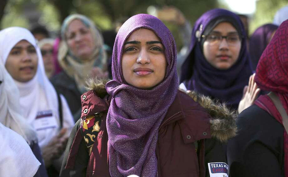 Hana Farid, center, and other Muslim women from Houston listen to speakers at the Texas Muslim Capitol Day, in Austin, Texas on Tuesday, Jan. 31, 2017. Photo: Bob Owen, Staff / San Antonio Express-News / ©2017 San Antonio Express-News