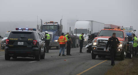 Major accident involving 18 wheelers, up to 20 vehicles shuts down I