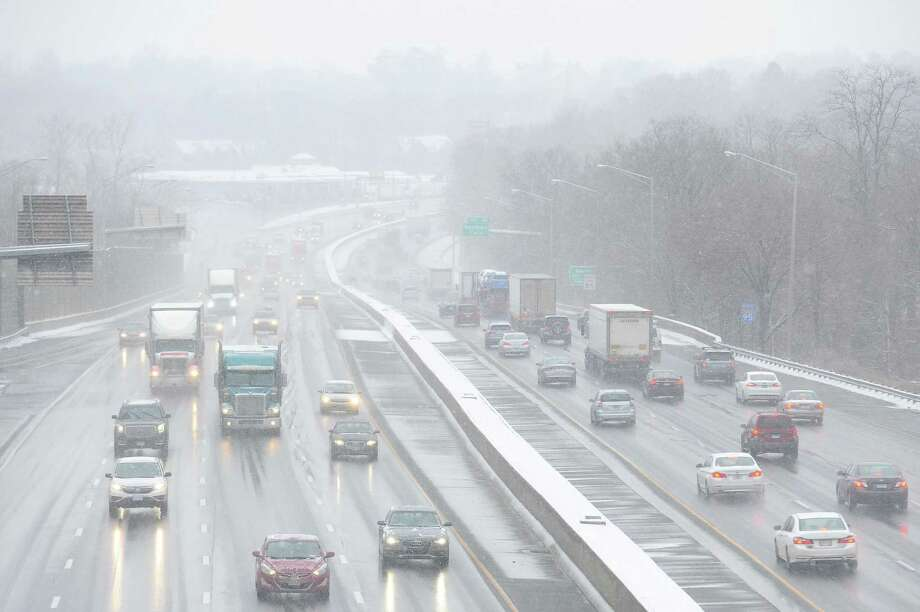 About 150,000 vehicles per day travel between New Haven and Greenwich on Interstate-95. Photo: Michael Cummo / Hearst Connecticut Media / Stamford Advocate